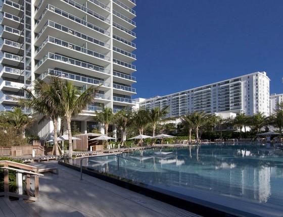 Os salões do badalado hotel W South Beach, em Miami, abrigaram o evento de moda (Foto: Divulgação)