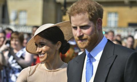 Harry e Meghan comparecem ao primeiro evento como duque e duquesa de Sussex