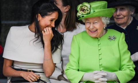 No futuro, Meghan Markle poderá chamar a rainha de 'Mama'