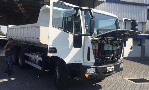 Siqueira Campos recebe caminhão 0km que será destinado ao Departamento de Obras