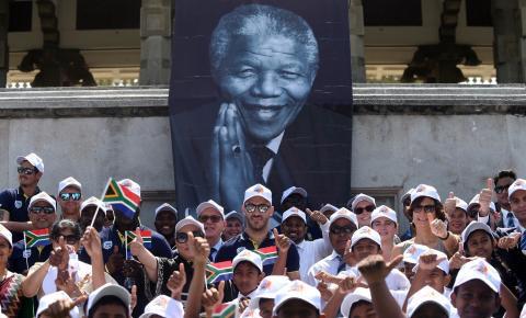 África do Sul homenageia Nelson Mandela no centenário de seu nascimento