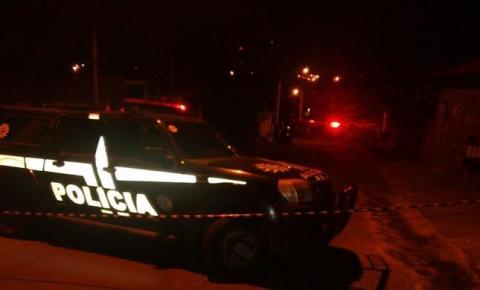 Seis pessoas são encontradas mortas dentro de residência em Porto Alegre; sétima vítima morre em hospital.