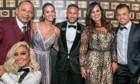 Marquezine e outros famosos prestigiam evento beneficente de Neymar.