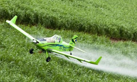 Relatório denuncia contaminação de comunidades rurais por agrotóxicos