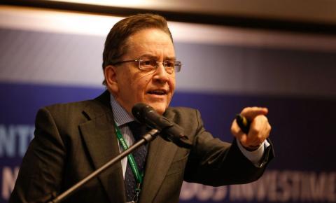 PSC lança ex-presidente do BNDES à Presidência da República.