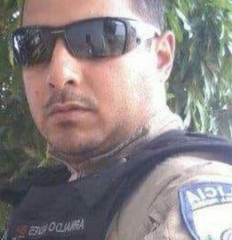 Agente da PRF morre após ser atropelado por van na Avenida Brasil