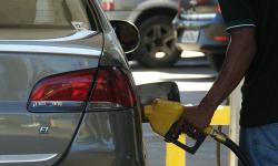 Diesel segue em alta nos postos, e gasolina cai pela 2ª semana