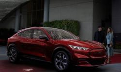 Ford lança o suv do Mustang: um elétrico de 465 cv, que tem autonomia de 480 km e 821 litros de porta-malas