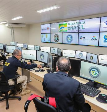 Paraná põe forças de segurança à disposição do governo federal