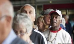 Projeto da UFF reconta a história da pandemia da covid-19 a partir de relatos dos idosos