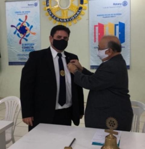 Nova diretoria do Rotary toma posse em Siqueira Campos