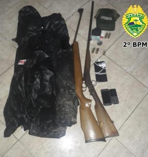 Em Ibaiti: Homem é preso com espingarda e munições
