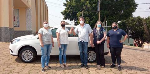 Siqueira Campos recebe veículo para ser utilizado na área da saúde