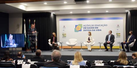 Paraná quer apoio do Ministério em estratégias para a saúde mental