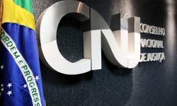 CNJ impõe aposentadoria a desembargadora por beneficiar filho