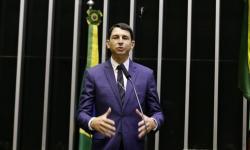Projeto proíbe entrada de estrangeiros no Brasil sem seguro saúde