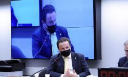Comissão aprova projeto que isenta vans escolares de taxas de serviço metrológico durante a pandemia