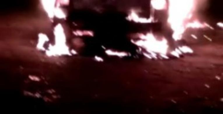 Após briga, carro é incendiado em São José da Boa Vista