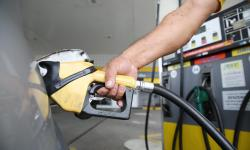 Veja dicas para economizar combustível nos tempos de gasolina a R$ 5