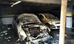 Carro pega fogo em garagem de prédio em Cascavel; ninguém ficou ferido