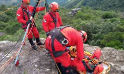 Cursos especiais preparam bombeiros do Paraná para situações extremas