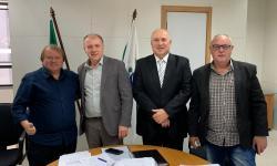 Paulinho assina convênio de 800 mil que serão investidos em pavimentação asfáltica
