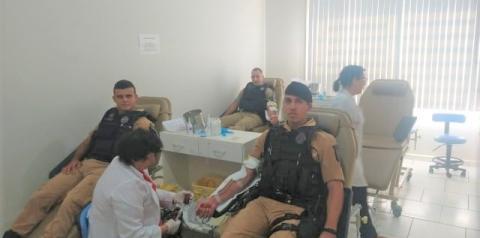 Policiais Militares doam sangue no Hemocentro de Jacarezinho