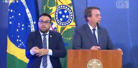 Bolsonaro chama de 'canalha' quem é contra tratamento precoce para a Covid; ineficácia é comprovada por pesquisas científicas