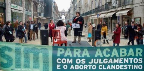 Descriminalizados, abortos têm cinco anos de queda em Portugal