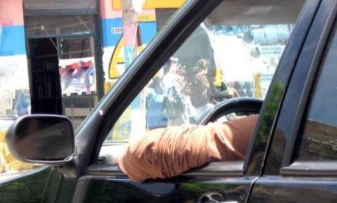 Dez hábitos no trânsito que rendem multa e você não sabe