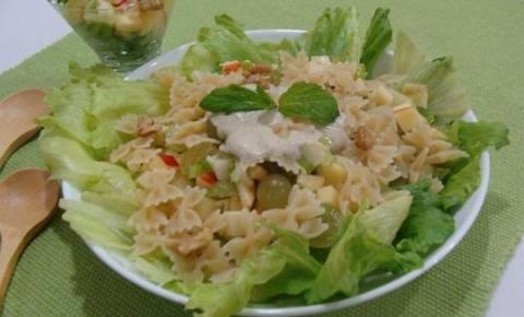 Salada refrescante de réveillon da Abima