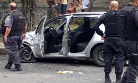 Dupla causa acidente ao tentar fugir da polícia em SG