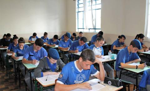Alunos dizem que Prova Paraná ajuda a avançar na aprendizagem