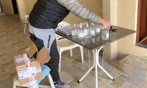 Polícia prende suspeita de vender álcool em gel adulterado