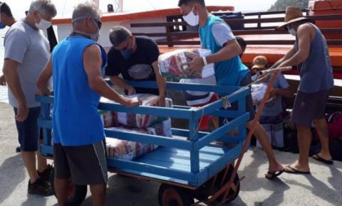Defesa Civil entrega 11.800 litros de álcool, máscaras e donativos