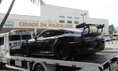 Polícia faz operação contra 'rachas' de carros de luxo