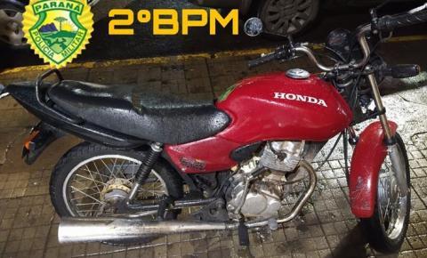 Em Santo Antônio da Platina: Jovem é flagrado empinando moto no centro da cidade