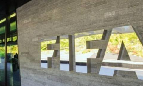 Pandemia pode gerar prejuízo de 14 bilhões ao futebol mundial, diz Fifa