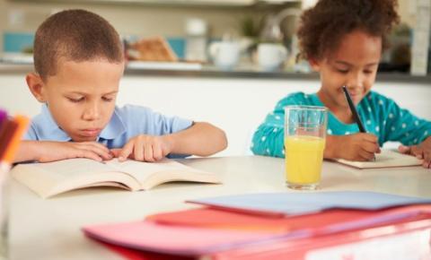 Frente parlamentar promove simpósio sobre a regulamentação do ensino domiciliar