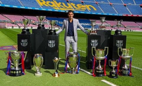 Suárez se despede do Barcelona e exalta parceria com Messi: