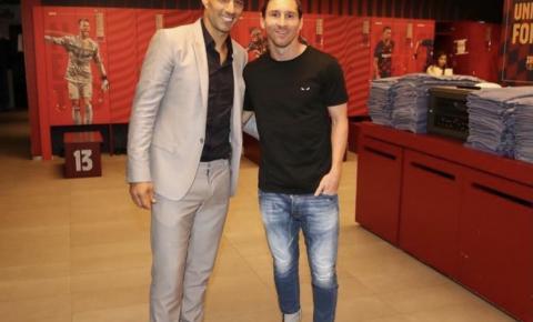 Messi se despede de Suárez e faz novas críticas à diretoria do Barcelona