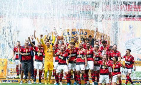 Rodrigo Caio celebra gol do título da Supercopa do Brasil