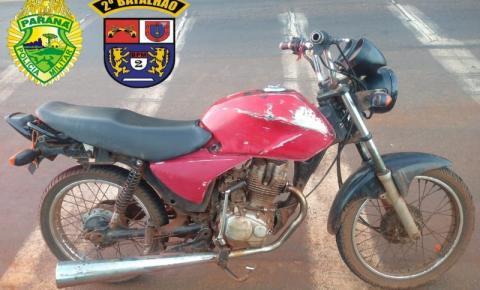 PM de Santo Antônio da Platina apreende moto que era dirigida por adolescentes