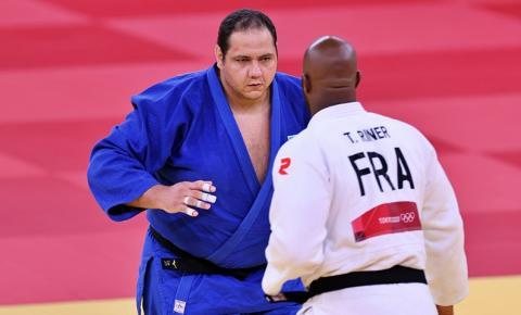Rafael Silva não supera melhor do mundo no judô, mas segue na busca por medalha inédita