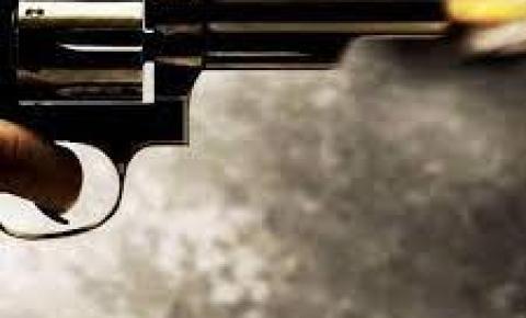 Soldado da Polícia Militar tem arma roubada e é morto a tiros após confusão em baile na RMC