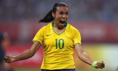 Marta se apresenta à Seleção Brasileira para jogos preparatórios contra a Argentina