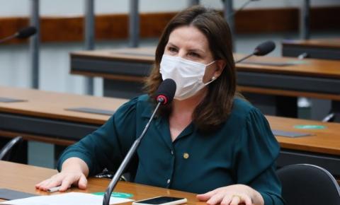 Comissão aprova proposta que prevê testagem em massa de pacientes com sintomas de Covid-19