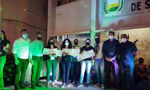 """Siqueira Campos realiza 1° Concurso de Poesia """"Joaquim Vicente De Souza"""""""