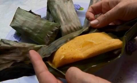 Aprenda a fazer bolinho de fubá na folha de bananeira