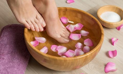 Hora de relaxar: aprenda a fazer um spa day em casa